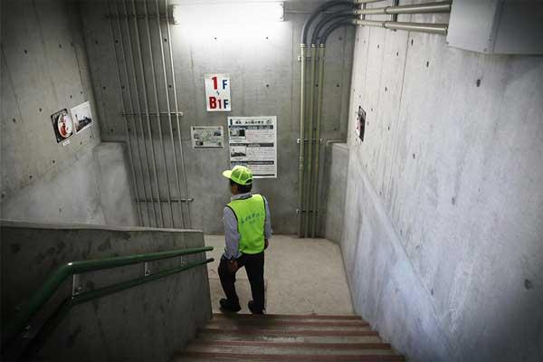 蔵前水の館は階段で地下30mまで歩いて降りて見学する施設です