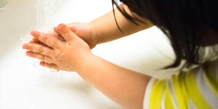 お子さん手洗い